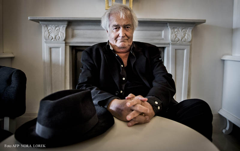 (FILES)  A photo taken on June 1, 2015, shows Swedish author Henning Mankell posing for the photographer. Bestselling Swedish crime writer Henning Mankel, whose most famous creation was the detective Kurt Wallander, died overnight at the age of 67, his publisher said on October 5, 2015.  AFP PHOTO / TT NEWS AGENCY / NORA LOREK +++ SWEDEN OUT