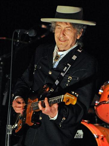Legendary American singer, songwriter, poet, artist and actor, Bob Dylan performs from his repertoire of over 400 songs and 50 albums at the 22nd annual Bluesfest music festival near Byron Bay on April 25, 2011. Dylan will conclude his tour of Australia with two shows in Sydney on April 27 and 28.  AFP PHOTO / Torsten BLACKWOOD / AFP PHOTO / TORSTEN BLACKWOOD