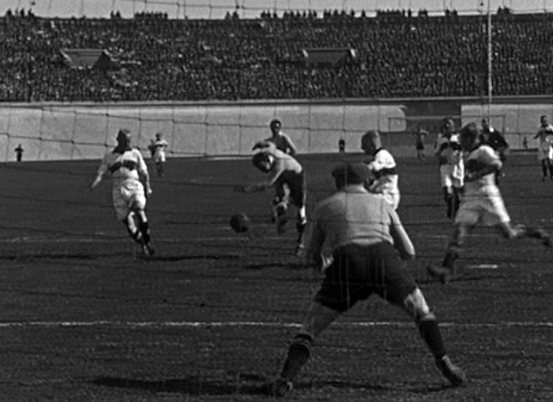 El continuado suicidio simbólico del fútbol uruguayo - Brecha