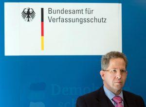 Merkel remplaza a su espía  más díscolo